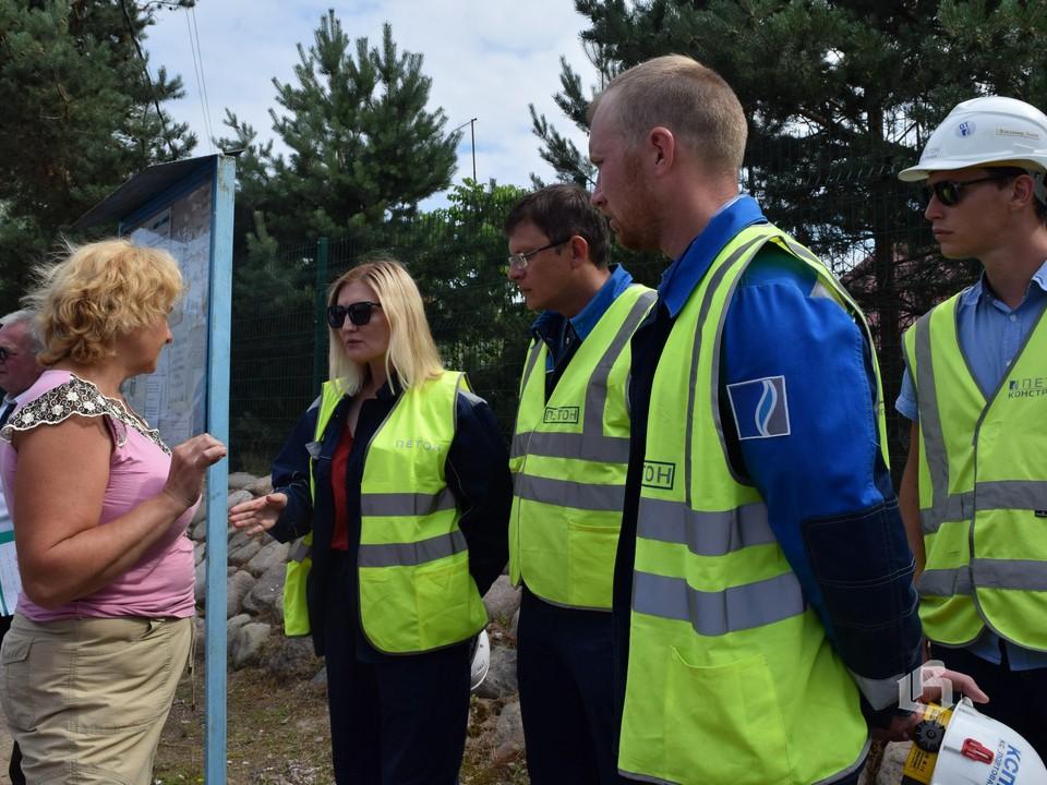 Жители Большого бора встретились с газовиками-строителями