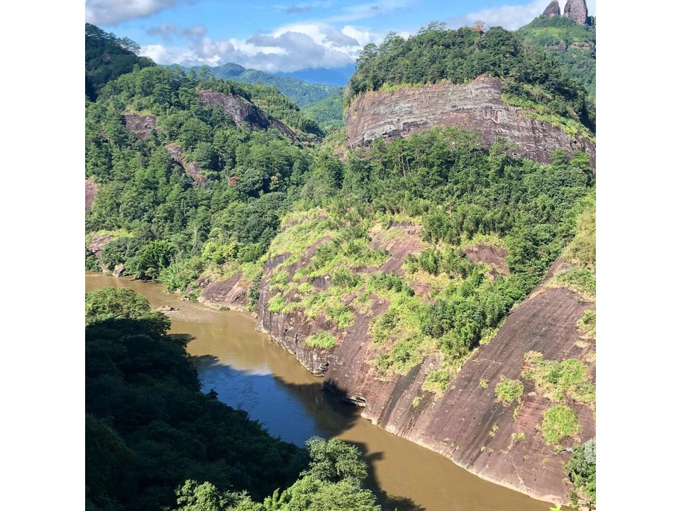 Горный хребет Уишань – объект всемирного наследия ЮНЕСКО