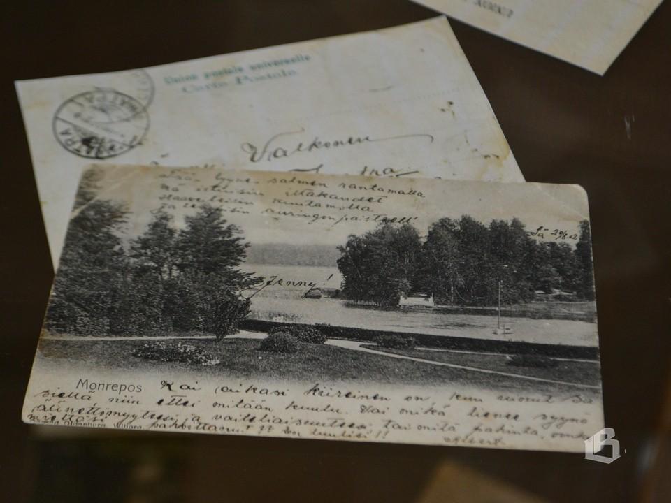 Этим открыткам более  века
