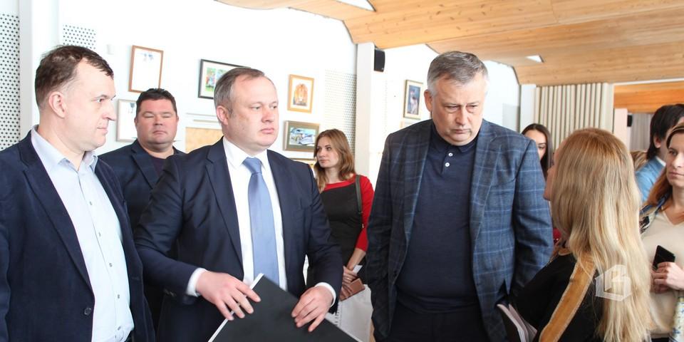В Выборг съехались не только члены совета, но и чиновники, общественные деятели со всей Ленобласти
