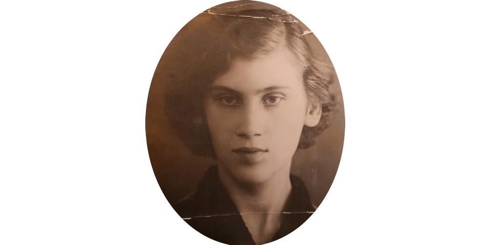 Людмиле 19 лет