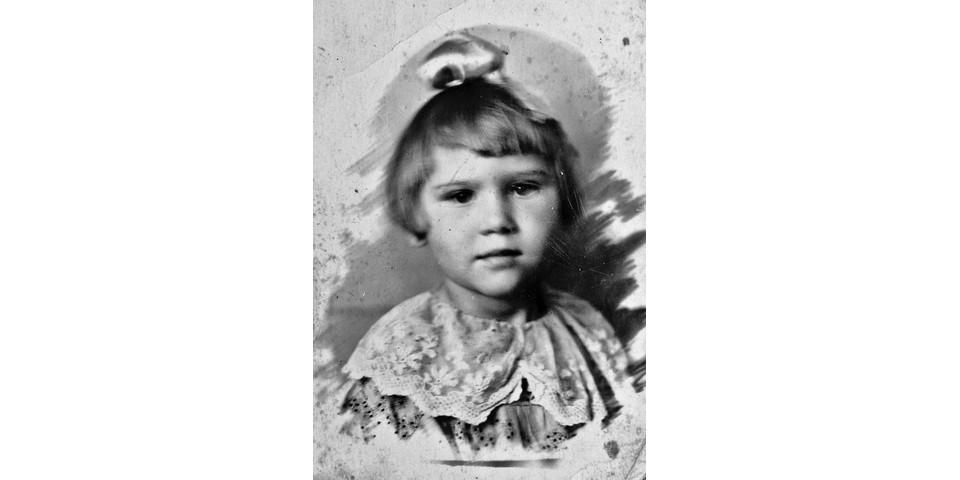 Людочке 4 года, май 1941 года