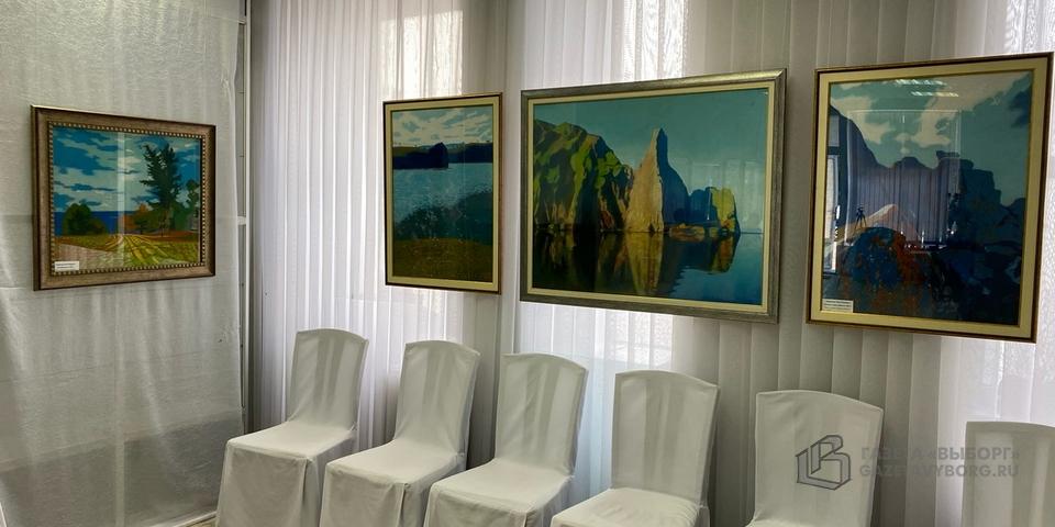 Выставка «Краски России» открылась в художественной галерее ВЦ «Эрмитаж—Выборг»