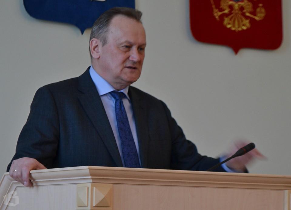Геннадий Орлов призвал депутатов вести разъяснительную работу среди своих избирателей по вопросам местного значения