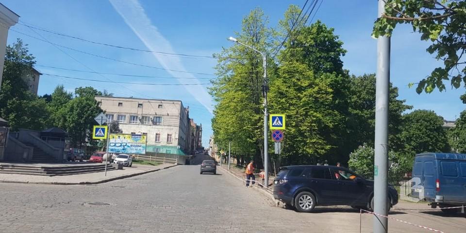 Крепостная ул.