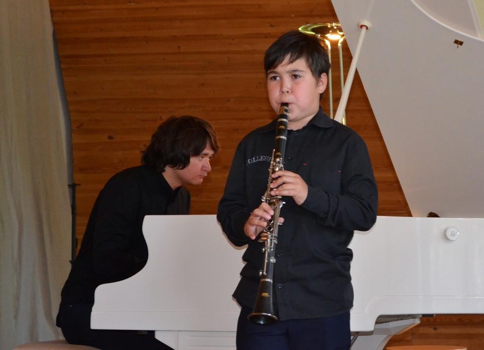 Лео (кларнет) и Яков (концертмейстер) Чучуновы