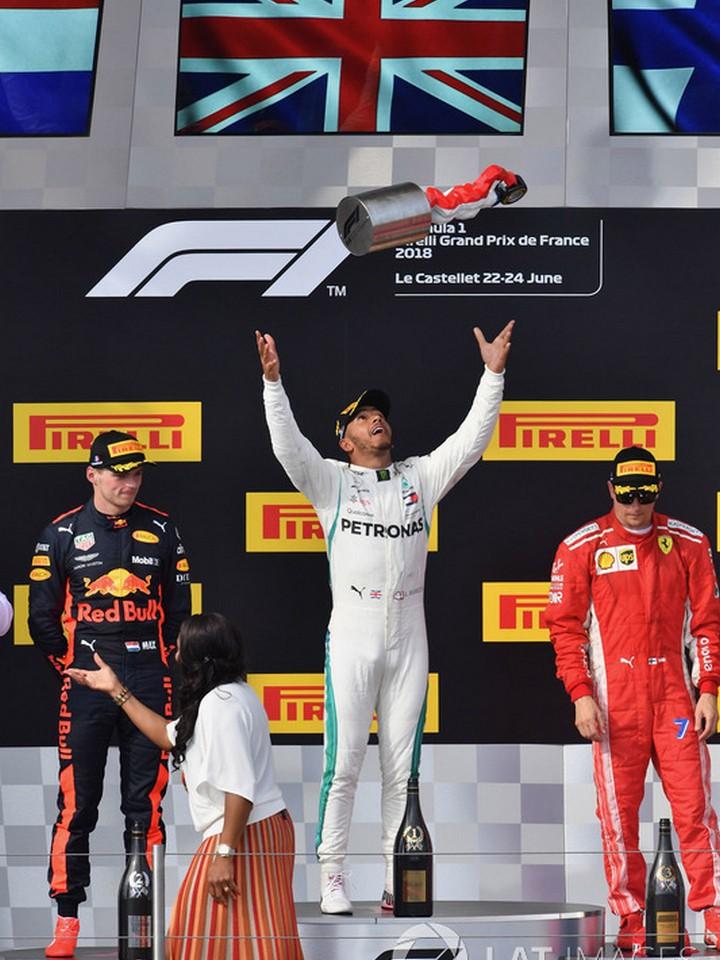 Победитель Льюис Хэмилтон, Mercedes AMG F1, второе место – Макс Ферстаппен, Red Bull Racing, третье место – Кими Райкконен, Ferrari