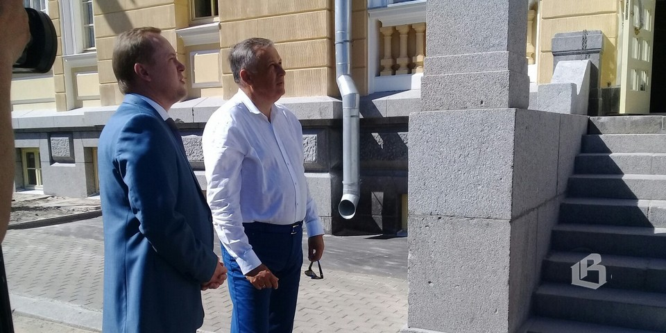 Губернатор Ленинградской области ознакомился с ходом реставрации Главпочтамта в Выборге