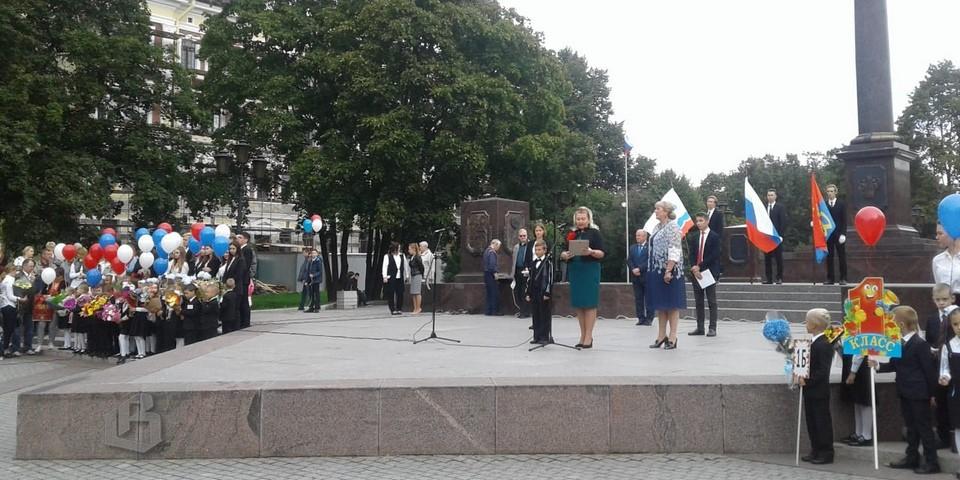 1 сентября ученика Выборгской гимназии, Арсения Павлова, наградили за спасение человека
